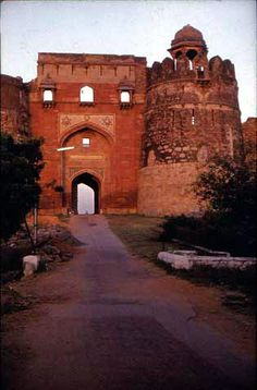Main gate - Old Fort. - Wish to stay cozy and prefer luxury accommodation option at affordable price Book your Rooms Now! India Architecture, Ancient Architecture, Delhi Sultanate, India Travel, India Trip, Main Gate, Old Fort, Great Buildings And Structures, North India
