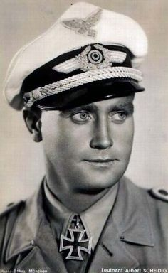 ✠ Albert Scheidig (3 March 1915 - 10 August 2002) RK 16.04.1942 Leutnant (Kr.O.) Flugzeugführer i. d. Aufkl.Staffel 1.(F)/122
