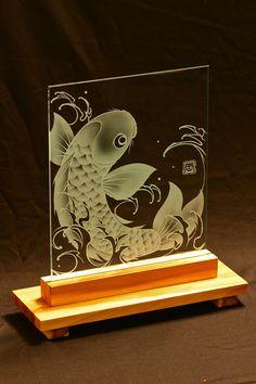 Sablage sur verre par Oka etchworks. Nombreuses autres pièces sur okaetchwork.com.