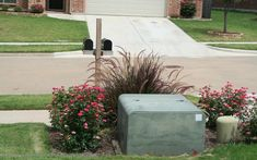 Reasons for Chocolate: Mailboxes - Link up! Landscaping Around Deck, Texas Landscaping, Farmhouse Landscaping, Summer Plants, Backyard Patio Designs, Farm Gardens, Land Scape, Landscape Design, Gardening