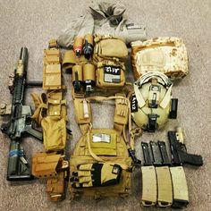 (t) Loadout : Coyote / / . Tactical Survival, Survival Gear, Plate Carrier Setup, Armas Airsoft, Bug Out Gear, Battle Belt, Airsoft Gear, Combat Gear, Tac Gear