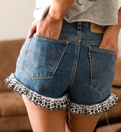 DIY jeans refashion: DIY jean shorts! finally!
