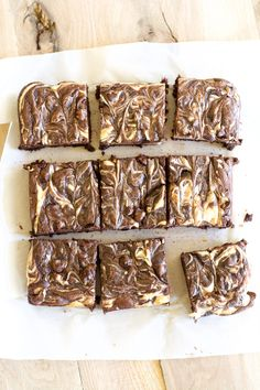 These gluten free easy Double Chocolate Peanut Brownies are loaded with dark chocolate flavor, creamy cheesecake and rich peanut butter! Chocolate Peanut Butter Cheesecake, Gluten Free Brownies, Peanut Butter Brownies, Peanut Butter Recipes, Chocolate Flavors, Chocolate Cake, Yummy Treats, Delicious Desserts, Sweet Treats