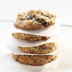The BEST Oatmeal Raisinets Cookies Recipe http://www.meals.com/recipe/deluxe-oatmeal-raisinets-cookies-30206