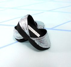 18 American Girl Doll Shoes Silver Pointed Pumps by MegOrisDolls