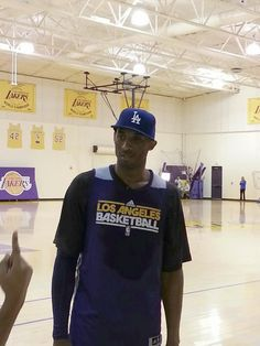 Kobe showing his Dodger support and love!