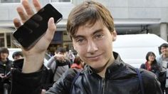 He Got The First iPhone 6. He Dropped The First iPhone 6 !
