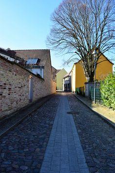 Spring day in Nauen Spring Day, Things To Do, Sidewalk, Germany, Top, Things To Make, Side Walkway, Walkway, Deutsch