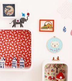 Uma das peças-chave na decoração do quarto das crianças são as prateleiras. Para colocar brinquedos, bichos de pelúcia, livros ou porta-retratos, elas ajud