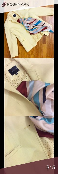 ❤️❤️Sale! The Limited Blazer Perfect trendy blazer for work or casual attire. Dry clean only. S size in regular with 3/4 sleeves, can roll over for styling. 64% Polyester, 34% Rayon, 2% Spandex. Color is Lemon yellow with pastel shade. ❤️❤️Love to hear more questions. ❎No trades pls😊 The Limited Jackets & Coats Blazers