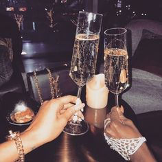 Gloss and elegance fatale, boujee lifestyle, luxury lifestyle women, classy aesthetic, summer Boujee Lifestyle, Luxury Lifestyle Women, Paris Chic, Cartier, Elegantes Outfit Frau, Boujee Aesthetic, Rose Gold Aesthetic, Aesthetic Vintage, Alcohol Aesthetic