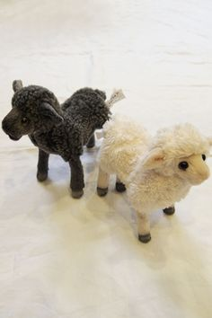 My daughter would like an entire flock of these. French Nursery, Lambs, Toy Boxes, Flocking, Baby Things, Felting, Make Me Smile, Baby Room, Poppy
