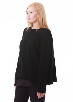Kaschmirtunika von RUNDHOLZ bei nobananas mode #nobananas #rundholz #rundholzblacklabel #rundholzdip #cashmere #dark #black #tunic #one #size nobananas.de/shop