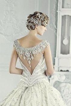 21 Portrait Illusion Back Wedding Dresses Gowns