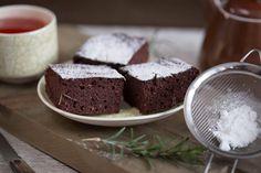Prăjitură cu piure de castane și rozmarin (fără gluten) - Ciocolată Şi VanilieCiocolată Şi Vanilie Fără Gluten, Pudding, Desserts, Food, Tailgate Desserts, Deserts, Custard Pudding, Essen, Puddings