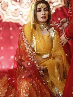 Here is Complete Coverage Covering Photos and Videos of Iman Aly Mehndi Bridal Mehndi Dresses, Bridal Dress Design, Bridal Lehenga Choli, Pakistani Wedding Dresses, Pakistani Dress Design, Indian Wedding Outfits, Bridal Outfits, Pakistani Couture, Wedding Hijab