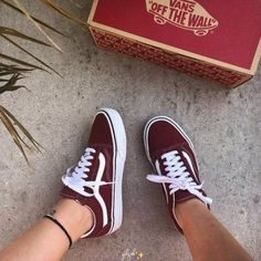 Vans Vinho Vans Shoes For Boys, Vans For Kids, Vans Tennis Shoes, Vans Shoes Women, Vans Sneakers, Tenis Vans, How To Wear Sneakers, Girls Sneakers, Converse