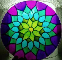 Mandalas De Vidrio Redondos - Mosaic Artwork, Mirror Mosaic, Mosaic Glass, Glass Art, Stained Glass Designs, Stained Glass Patterns, Mosaic Patterns, Old Cd Crafts, Hamsa Art