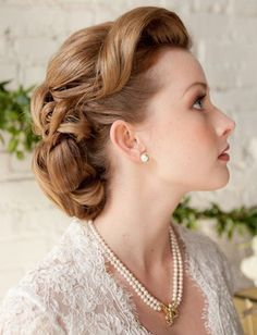 wedding and bridal hair styles and ideas. From bridal hairstyles for short hair, long bridal hair to upstyles, bridal hair accessories and vintage wedding hair. Wedding Hair And Makeup, Hair Makeup, Hair Wedding, Hairstyle Wedding, 1940s Wedding Hair, 1940s Wedding Theme, Wedding Bride, Prom Updo, Bling Wedding