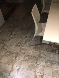 Piso Patio Mix Gris 45x45 Patio, Tile Floor, Flooring, Rugs, Home Decor, Rustic Homes, Mosaics, Flats, Crates