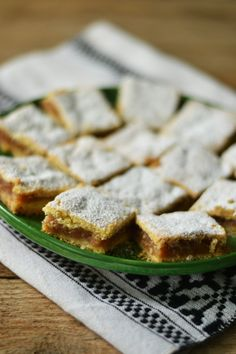 Prajitura cu mere si aluat fraged Sweets Recipes, Cooking Recipes, Romanian Desserts, Apple Pie, Cheesecakes, Banana Bread, Sweet Treats, Bakery, Deserts