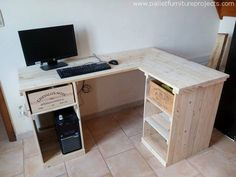 20 Inspiring Pallet Projects 2019 Wow this official set up is pretty luring fo. Pallet Desk, Wooden Pallet Furniture, Wood Pallets, Diy Pallet Projects, Furniture Projects, Home Furniture, Diy Computer Desk, Pc Desk, Palette Furniture