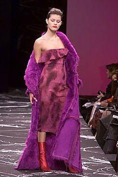 Emanuel Ungaro Fall 2000 Ready-to-Wear -valokuvamallit - Vogue