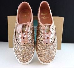 If I had a Million dollars that I just didn't know what to do with, I'd have glitter Keds! Kate Spade Keds Sneakers Kick Rose Gold Glitter Shoes Pink Ribbon NEW in The BOX Gold Glitter Shoes, Rose Gold Glitter, Glitter Hair, Sparkle Shoes, Glitter Ribbon, Ribbon Rose, Glitter Tennis Shoes, Gold Glitter Wedding, Glitter Dress