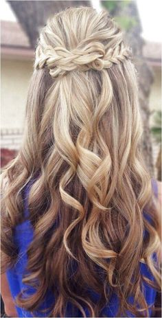 Wedding Hair Down 10 Latest Half-Up Half-Down Wedding Hairstyles Trendy Hairstyles 2019 2019 for long, medium and short hair Prom Hair Down, Wedding Hair Down, Wedding Hair And Makeup, Bridal Hair, Hair Styles For Wedding, Dance Hairstyles, Trendy Hairstyles, Wedding Hairstyles, Teenage Hairstyles