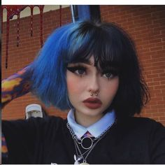 90s Grunge Hair, Short Grunge Hair, Grunge Girl, Grunge Style, Dye My Hair, New Hair, Hairstyles With Bangs, Pretty Hairstyles, Hair Dye Colors
