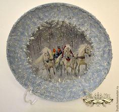 """Новый год 2017 ручной работы. Ярмарка Мастеров - ручная работа. Купить Тарелка """"Три белых коня"""". Handmade. Голубой"""