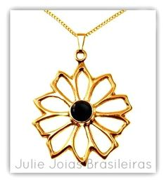 Pendente em ouro 750/18k e ônix (750/18k gold pendant with onyx)