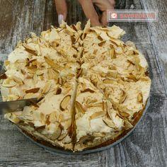 "Tort ""Ceresc"" - un desert aerat, moale și extrem de aspectuos, sigur nu ați gustat un tort mai gustos! - savuros.info Cake Cookies, Cupcake Cakes, Romanian Desserts, Cherry Cake, Cheesecakes, Sweet Treats, Deserts, Food And Drink, Pie"