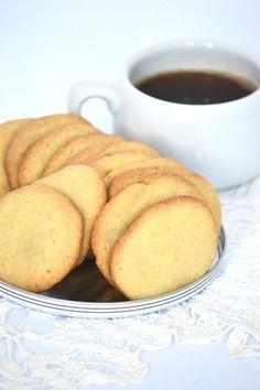 Házi, vajas keksz: ezerszer jobb, mint a bolti - Moksha. Cornbread, Healthy Snacks, Biscuits, French Toast, Smoothie, Muffin, Food And Drink, Pudding, Cookies