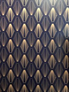 Motif art deco, art deco design, art deco art, art deco d Arte Art Deco, Moda Art Deco, Estilo Art Deco, Art Deco Print, Wallpaper Art Deco, Grey Wallpaper, Custom Wallpaper, Wallpaper Designs, Pattern Wallpaper