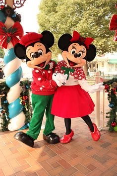 Mickey & Minnie in Christmas outfits