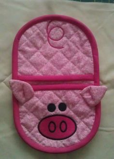 In the hoop Pig oven mitt embroidery by Christysdigitalfiles: