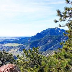 It was 29C today and there's still snow on the mountains. This morning's hike up Mount Sanitas was a good one. I feel lucky to live here!  #boulder #visitboulder #bouldergov #bouldercolorado #colorado #visitcolorado #coloradolive #cometolife #hiking #patikointi #outdoors #vaellus #nature #retkeily #coloradotrail #coloratography #ulkosuomalaiset #ulkosuomalainen #travel #matka #reissu #nordicnomads (via Instagram)