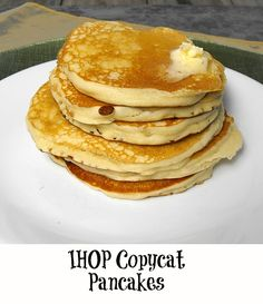 IHOP copycat pancakes J&L bakery tested! Looks just like store made mix pancakes! For the oil, add stick of melted butter into the mix if using at least milk. Batter must be runny or pancakes will turn out hard! What's For Breakfast, Breakfast Items, Breakfast Dishes, Breakfast Recipes, Yummy Eats, Yummy Food, Restaurant Recipes, Brunch Recipes, Food Dishes