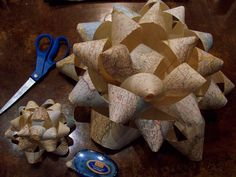 to turn almost anything into a freakin' huge bow for wedding decor or fashion! How to turn almost anything into a freakin' huge bow for wedding decor or fashion!How to turn almost anything into a freakin' huge bow for wedding decor or fashion! Fun Crafts, Arts And Crafts, Paper Crafts, Diy Paper, Wrapping Ideas, Gift Wrapping, Diy Bow From Wrapping Paper, Bows For Presents, Custom Bows