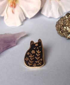 Floral cat hard enamel pin