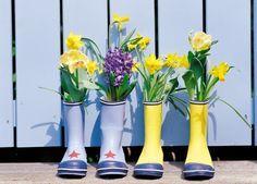 ¡Llena la casa de flores con un toque de originalidad! Gran idea para decorar y reaprovechar de @milideas. #Primavera #Flores