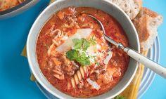 Lasagnesuppe er en varmende og deilig suppe som du bare må prøve. Lasagnesuppe er skikkelig trøstemat!