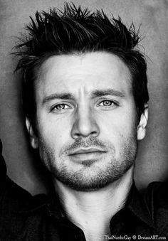 Jeremy Renner / Chris Evans | 18 Celebrity Morph Combinations That Are Stunningly Perfect