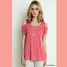 *Just In* Gabriella Cold Shoulder Top Adorable and so cute Tops