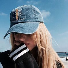 30 Fashionable Hats For Women To Beat The Sun While Being Stylishly Cold - Page 2 of 3 - Style O Check Bones Tumblr, Hats Tumblr, Tmblr Girl, Belle Photo, Hats For Women, Hipster Girl Photography, Artistic Photography, Fashion Photography, Blonde Girl Selfie