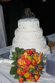 Fall Wedding Cake~ I like the simplicity of this cake and love the hearts. I would have a different topper. Fall Wedding Cakes, Wedding Vows, Wedding Ideas, Cake Decorating, Decorating Ideas, Petra, Cake Ideas, Hearts, Desserts