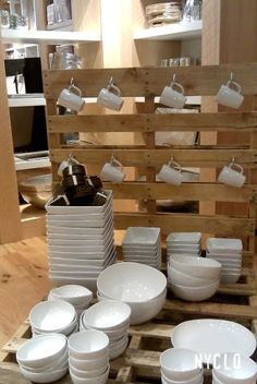 ::: FOCAL POINT :::: WEST ELM & PALLETS WITH PURPOSE...pallets in retail use - mug rack!