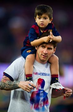 Lionel Messi & His Sons http://celevs.com/the-10-best-photos-of-lionel-messi-with-his-sons/