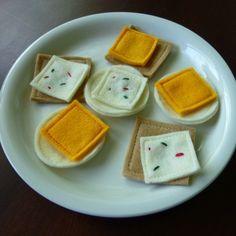 Cheese and Crackers - Felt Play Food. $8.00, via Etsy.